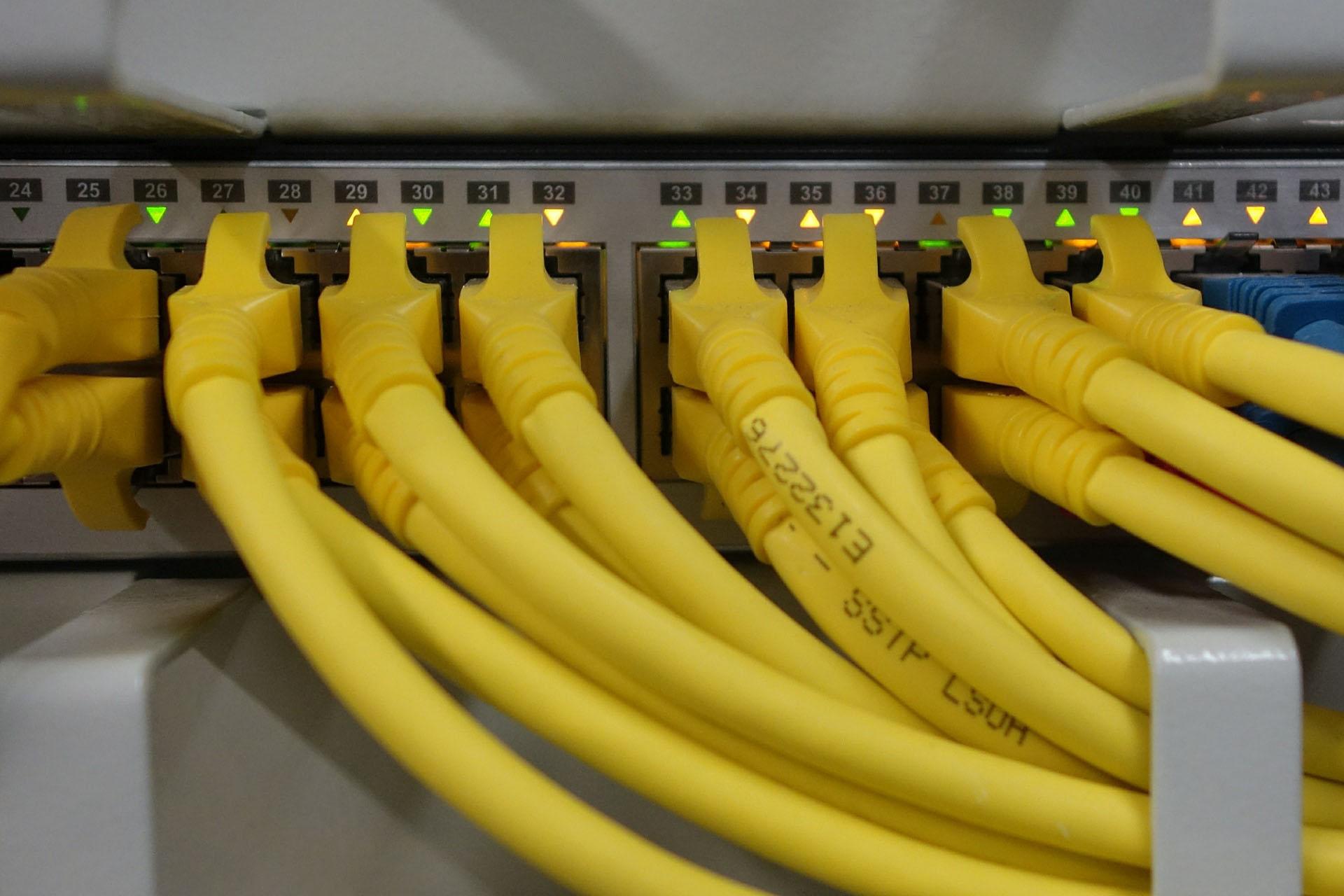 impianto di rete informatica rete lan cavi lan multiax italia azienda informatica