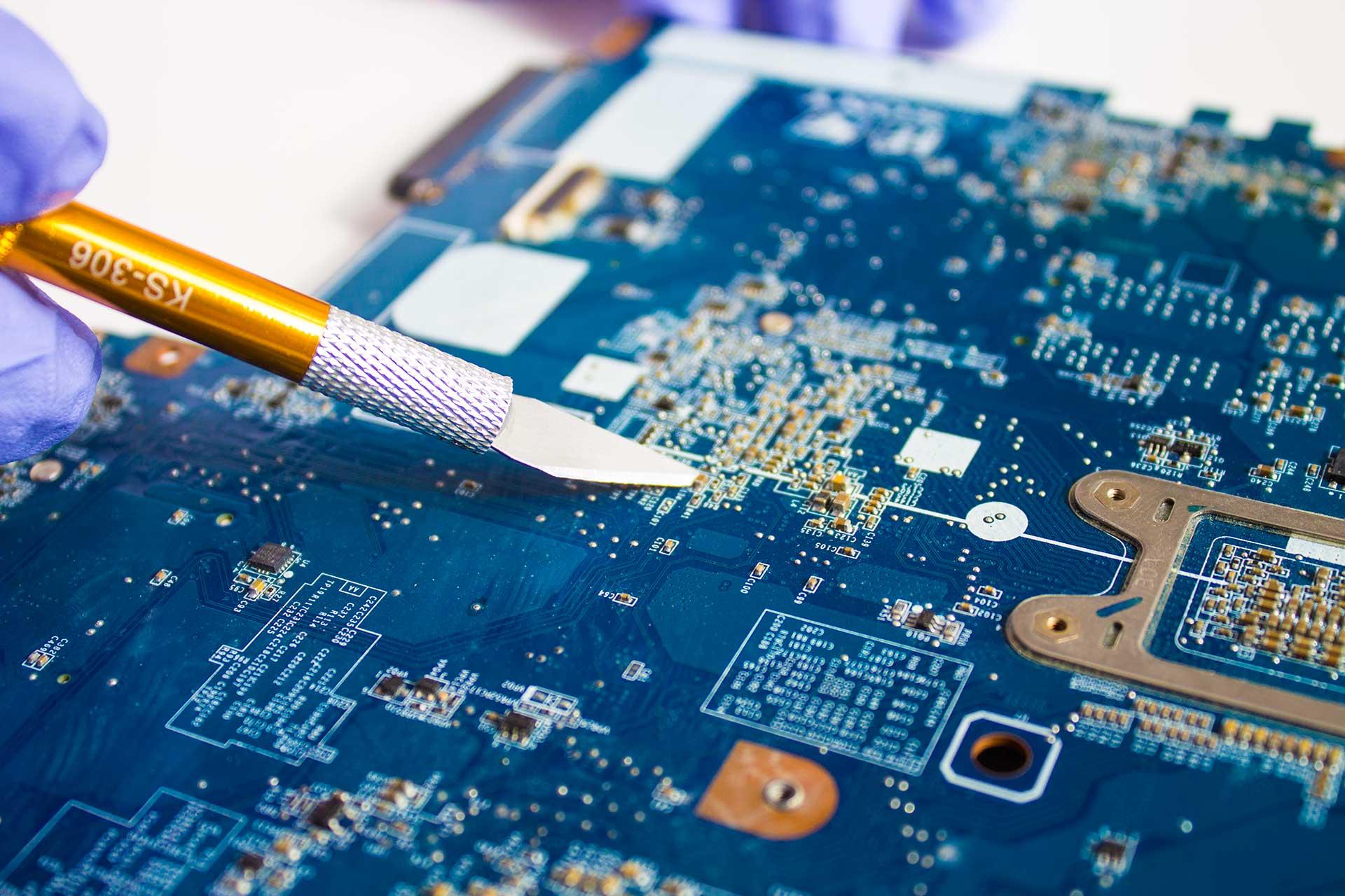 multiax-assistenza-tecnica-informatica-computer-notebook-stampanti-lcd-slider-2-1920x1280
